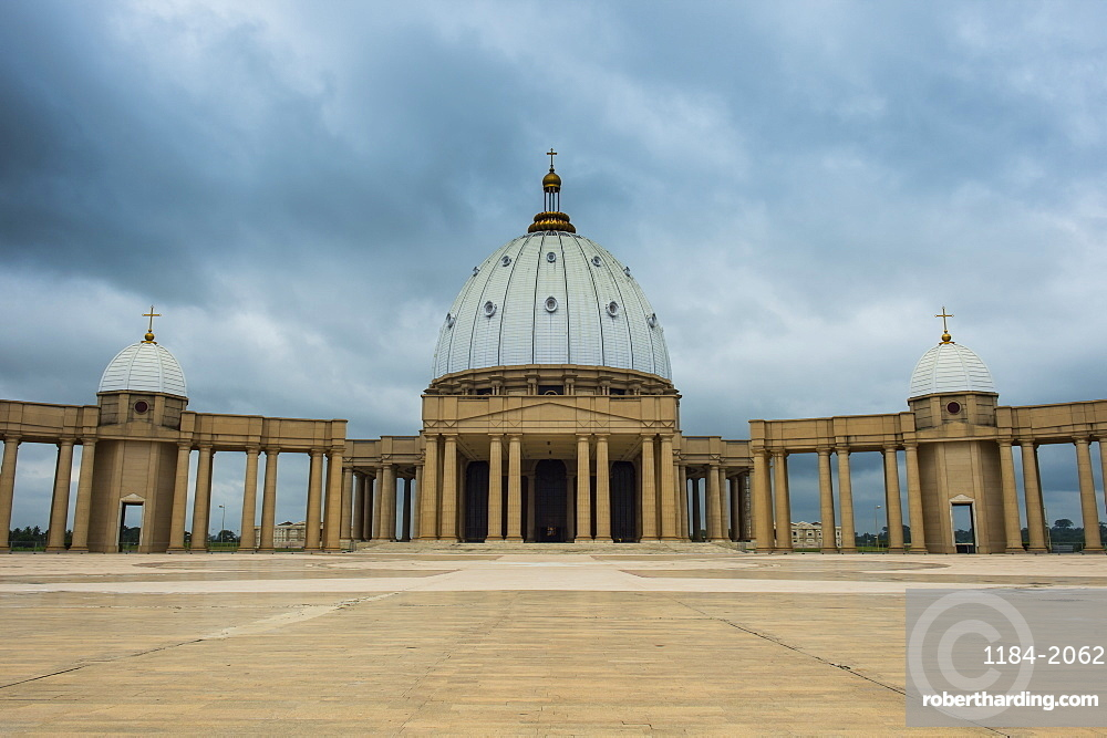 Basilica of Our Lady of Peace, Yamassoukrou, Ivory Coast, West Africa, Africa
