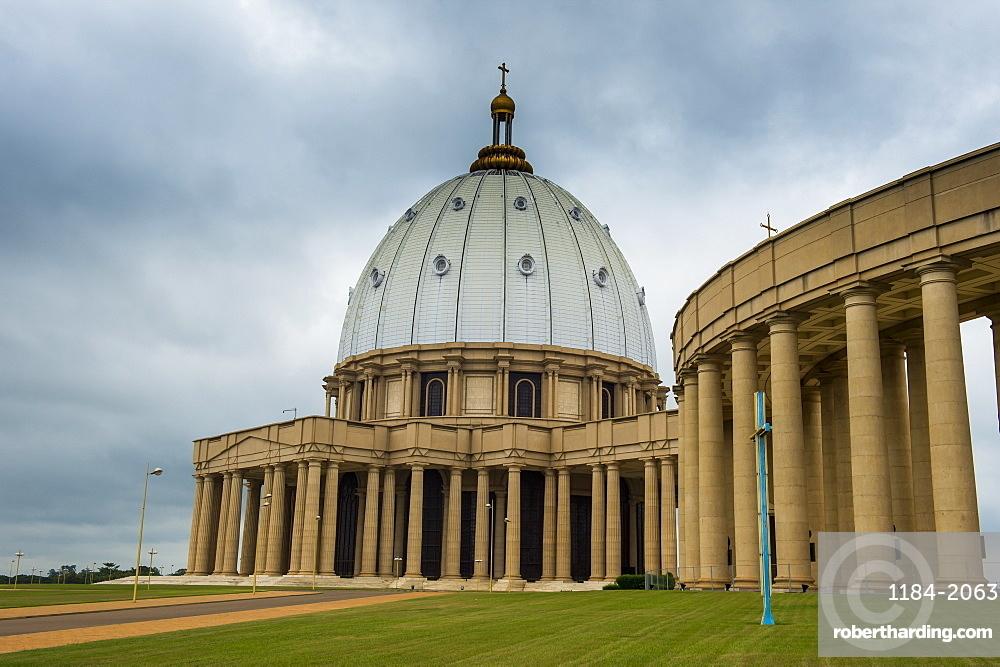 Basilica of Our Lady of Peace, Yamassoukrou, Ivory Coast, West Africa, Africa