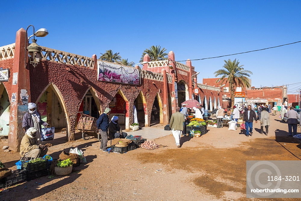 Red architecture in the center of Timimoun, western Algeria