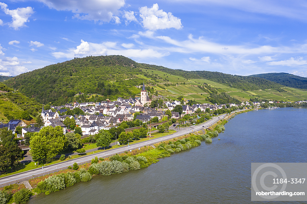 The rhine river at Lorch, Unesco world heritage sight Midle Rhine valley, Germany