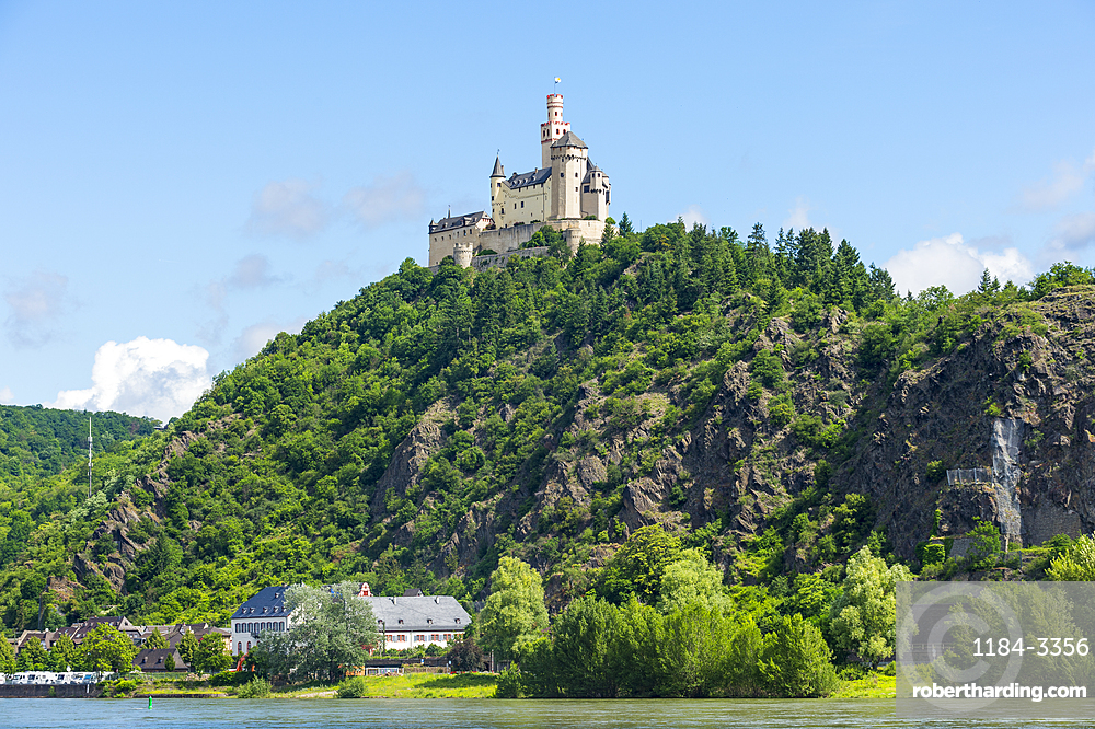 Marksburg overlooking the Rhine, UNESCO World Heritage Site, Middle Rhine valley, Rhineland-Palatinate, Germany, Europe