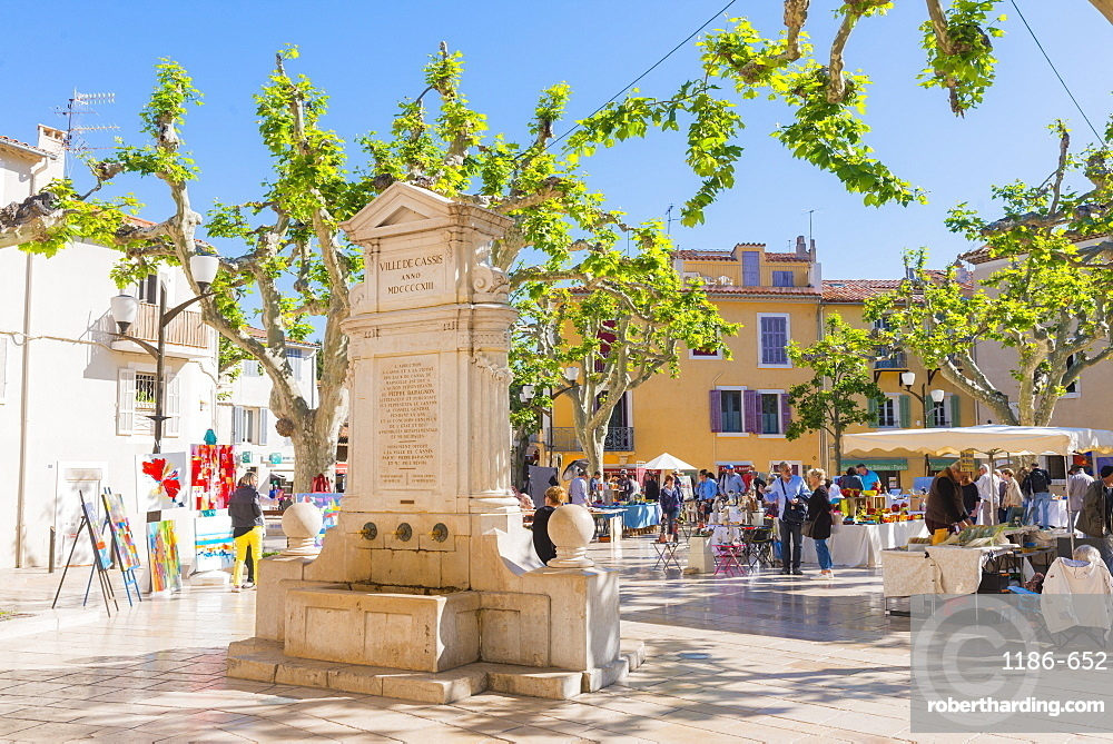 Morning market in Cassis harbour, Provence, France