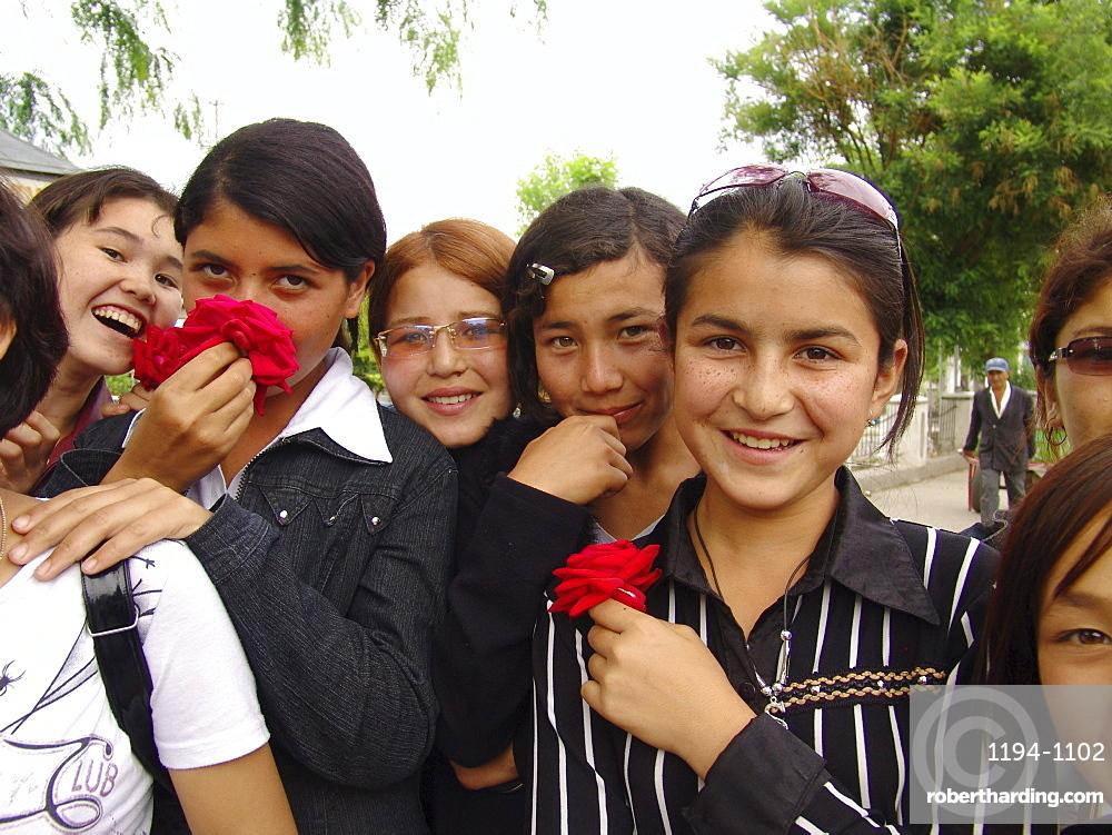 Uzbekistan girls of shakhrisabz