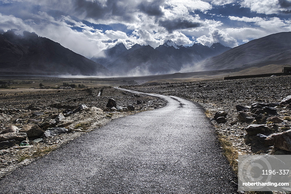 Road leading out of Kharsa village, Ladakh, India, Himalayas, Asia