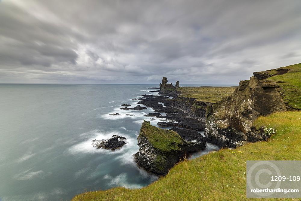 Londranger Bird cliffs, Snaefellsnes, Iceland, Polar Regions