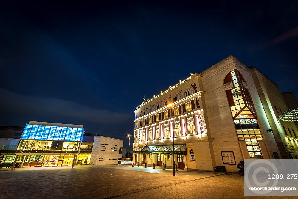 Sheffield Crucible and Lyceum theatres at night, Sheffield, Yorkshire, England, United Kingdom, Europe