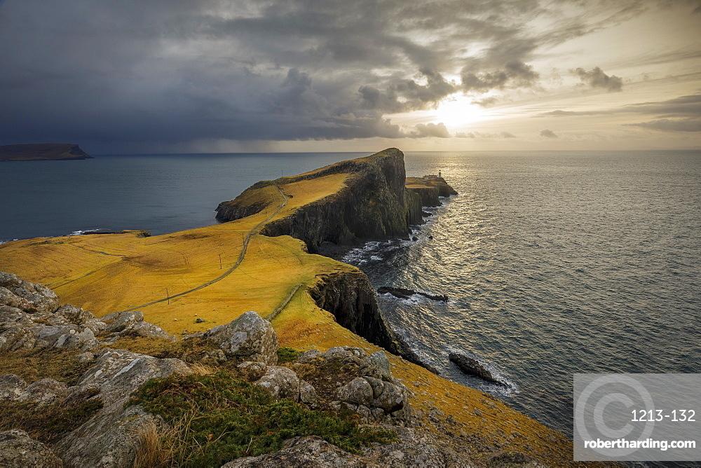 Neist Point Lighthouse, Glendale, Isle of Skye, Highland Region, Inner Hebrides, Scotland, United Kingdom, Europe