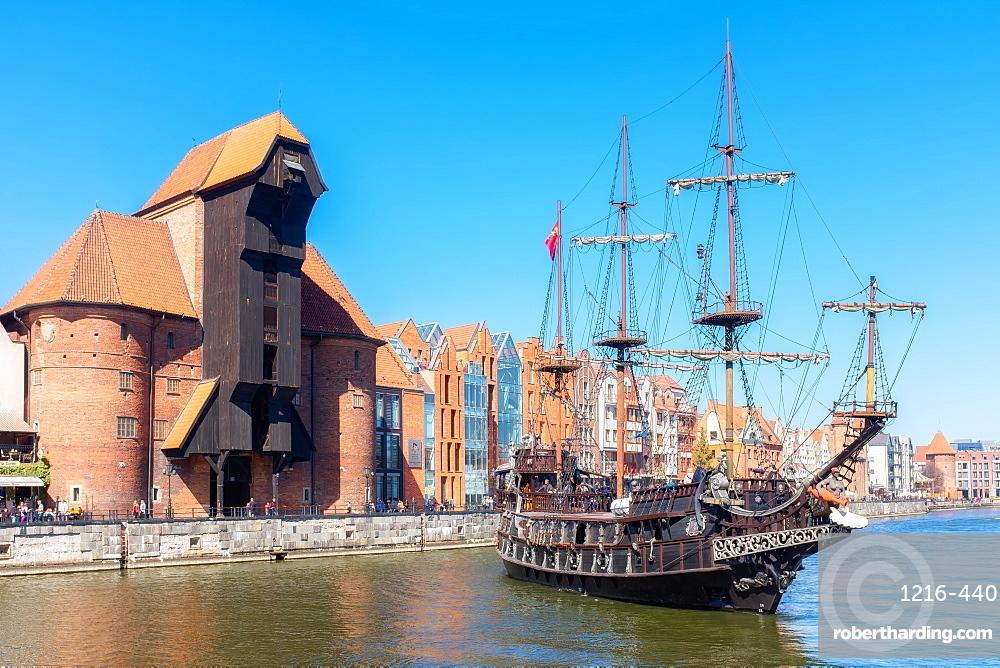 Black Pearl / Leo Galleon, Pirate ship in front of the Crane, Motlawa River, Gdansk, Poland