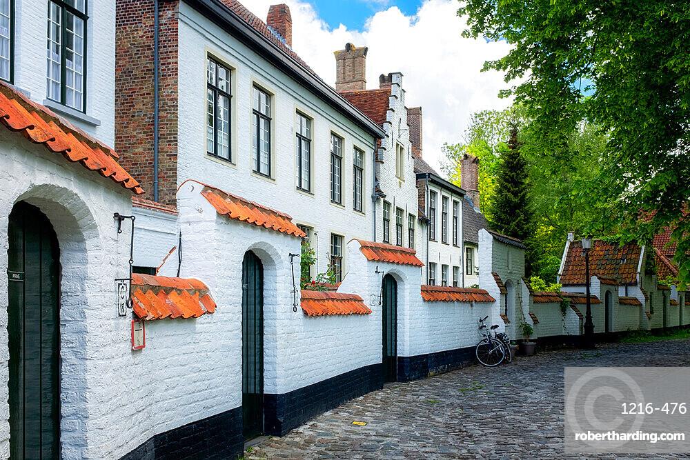 Begijnhof (Beguinage) houses, Order of St. Benedict convent, Bruges, Belgium, Europe