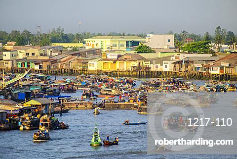 Cai Rang floating market, Cai Rang district, Can Tho, Mekong Delta, Vietnam, Indochina, Southeast Asia, Asia