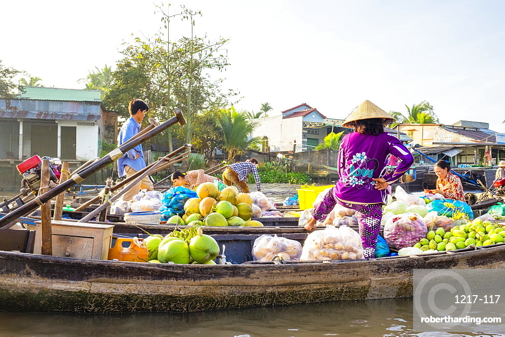 Phong Dien floating market, Phong Dien District, Can Tho, Mekong Delta, Vietnam, Indochina, Southeast Asia, Asia