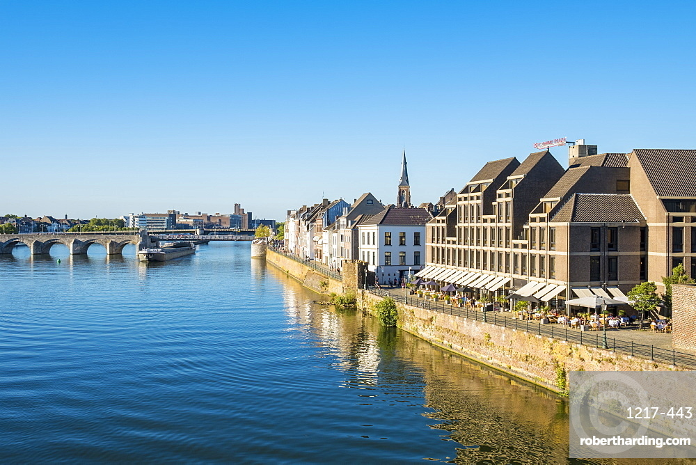 Building along the Meuse (Maas) River in the Wyck-Ceramique quarter, Maastricht, Limburg, Netherlands, Europe
