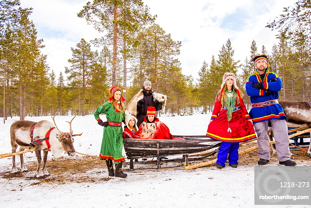 Group photo wearing Traditional Sami costumes, Reindeer Safari, Kakslauttanen Igloo Village, Saariselka, Finland, Scandinavia, Europe