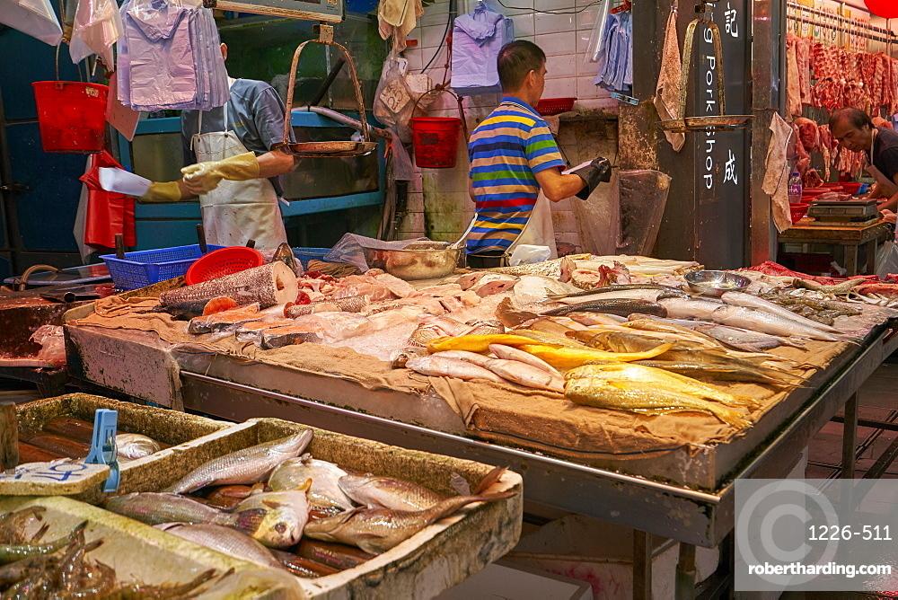 Wet fish and seafood shop, Hong Kong, China, Asia