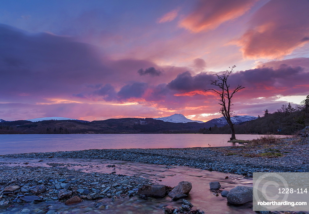 Sun setting over Ben Lomond and Loch Ard near Aberfoyle in the Loch Lomond and The Trossachs National Park, Stirlingshire, Scotland, United Kingdom, Europe