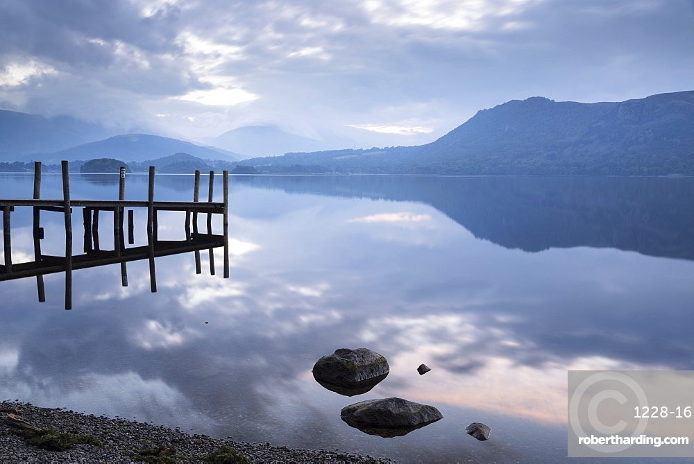 Brandlehow Bay, Borrowdale, Lake Derwent Water at daybreak, Lake District National Park, Cumbria, England, United Kingdom, Europe