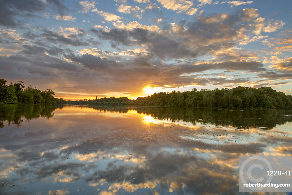 Clumber Park Lake sunset, Nottinghamshire, England, United Kingdom, Europe