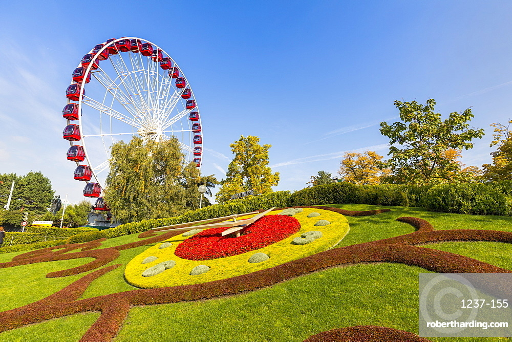 Ferris Wheel and L'horloge fleurie (flower clock), Jardin Anglais park, Geneva, Switzerland, Europe