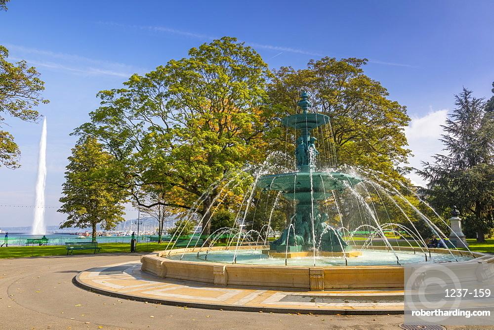 Fontaine des quatre saisons, (Fountain of the four seasons), Jardin anglais urban park Geneva, Switzerland, Europe.