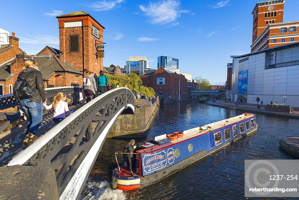 Canal boat, Birmingham Canal Old Line, Birmingham, England, United Kingdom, Europe.