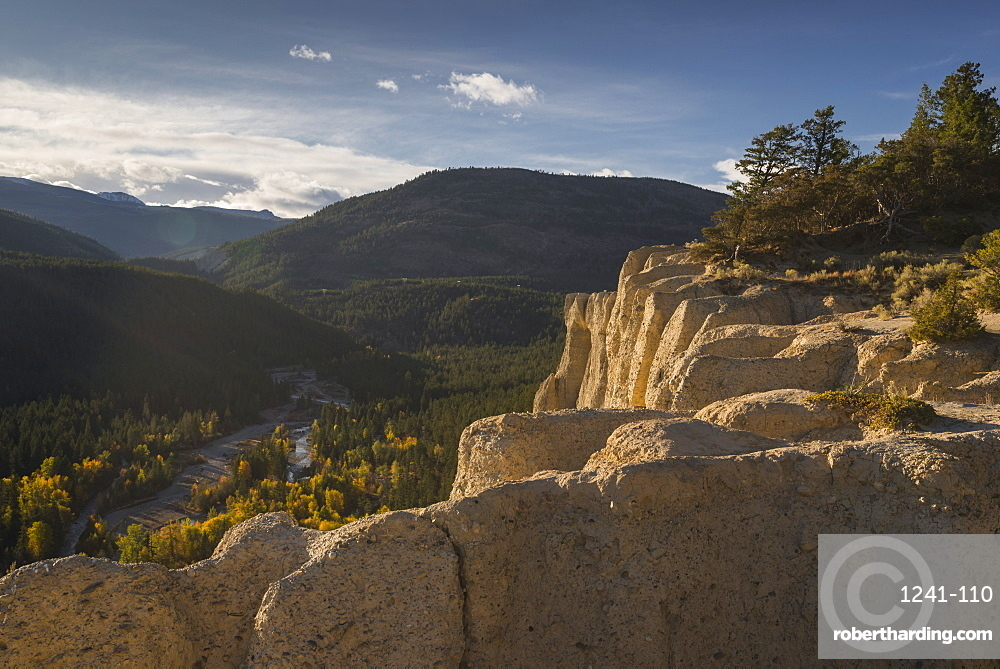 Hoodoo Trail near Fairmont Hotsprings in autumn, British Columbia, Canada, North America