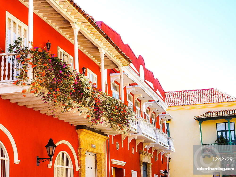 Balcony overflowing with flowers, Old Town, Cartagena, Colombia, South America