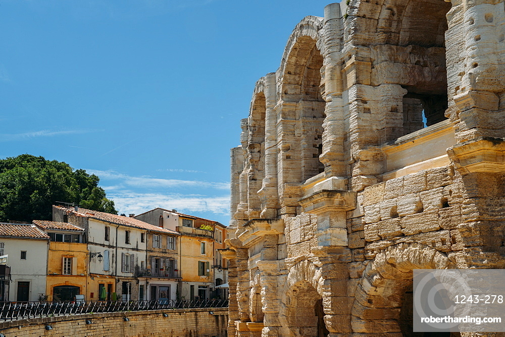 Arena and Roman Amphitheatre, UNESCO World Heritage Site, Arles, Provence, France, Europe