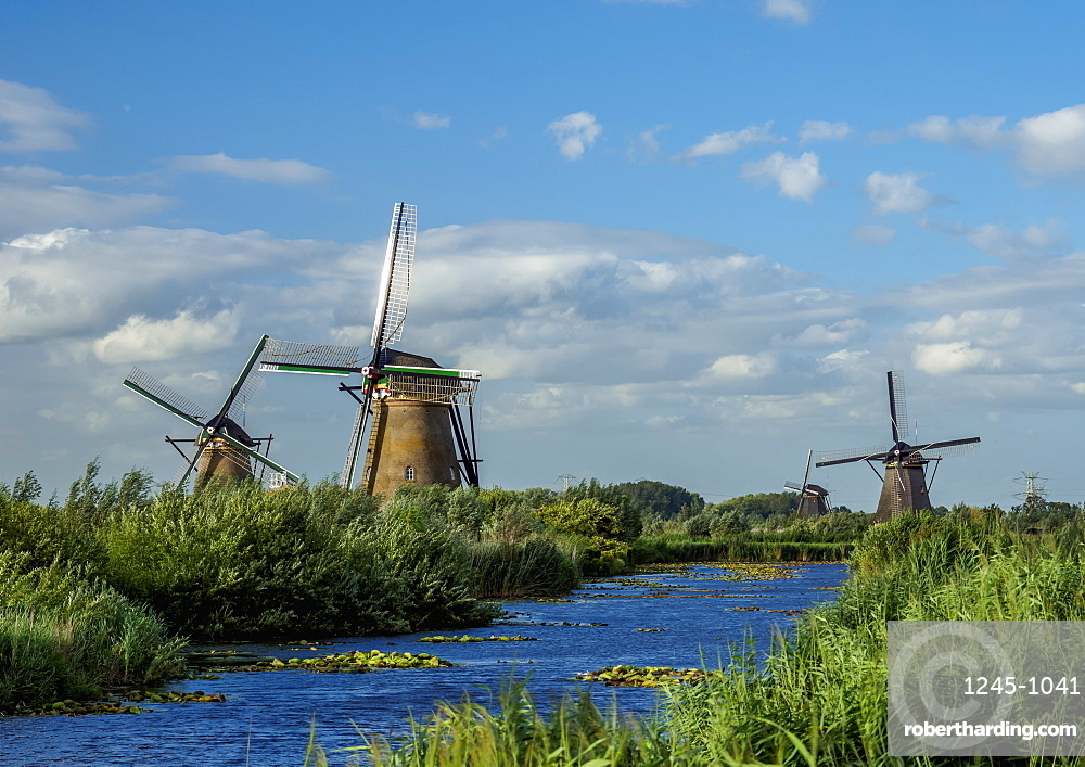 Windmills in Kinderdijk, UNESCO World Heritage Site, South Holland, The Netherlands