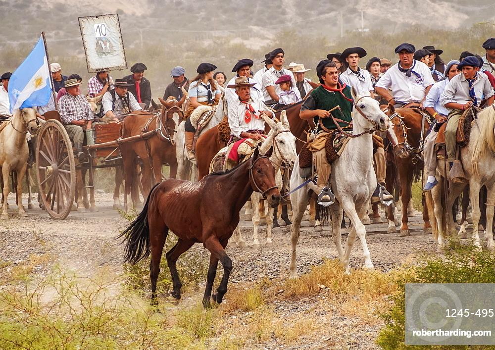 Cabalgata de Los Gauchos, Gaucho horse parade from San Juan to Vallecito, San Juan Province, Argentina, South America