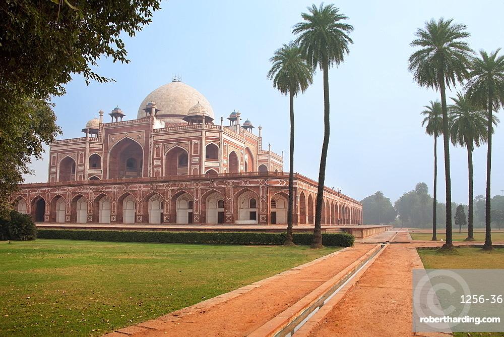 Safdar Jang Tomb, New Delhi, India