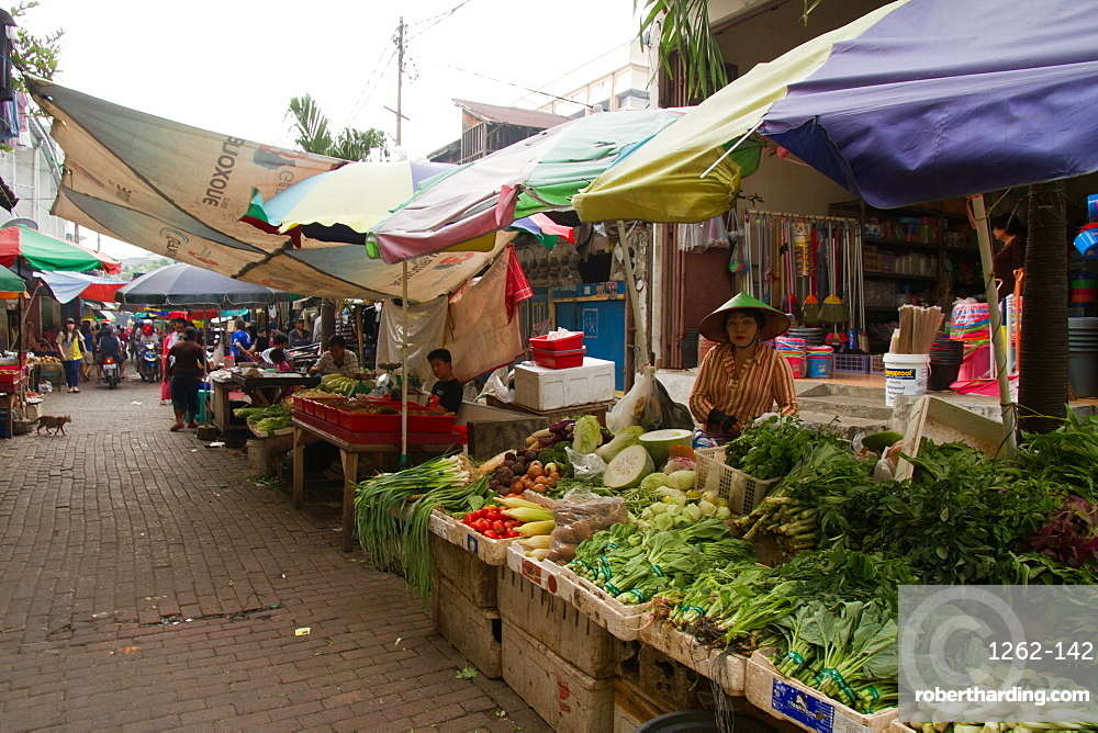 The food markets of Jakarta, Java, Indonesia, Southeast Asia, Asia