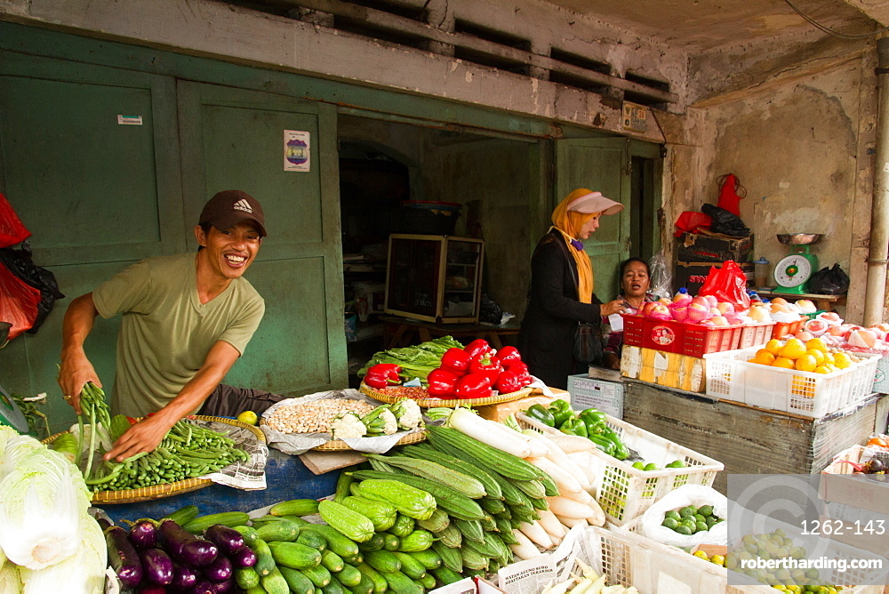 The food markets of Jakarta, Java, Indonesia, Southeast Asia, Asia