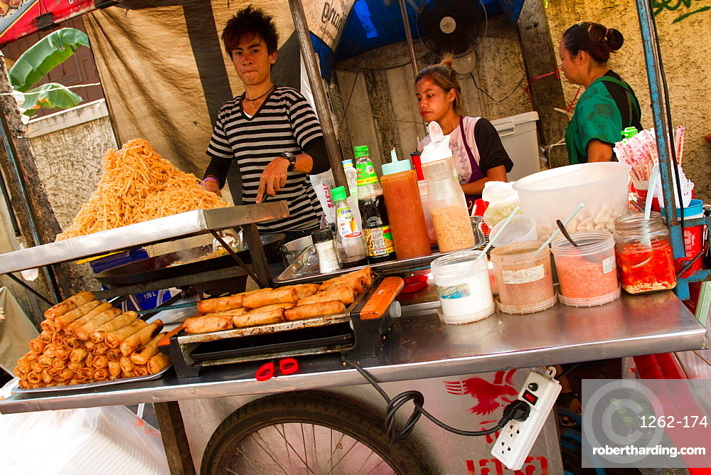 Food on the streets of Bangkok, Thailand, Southeast Asia, Asia