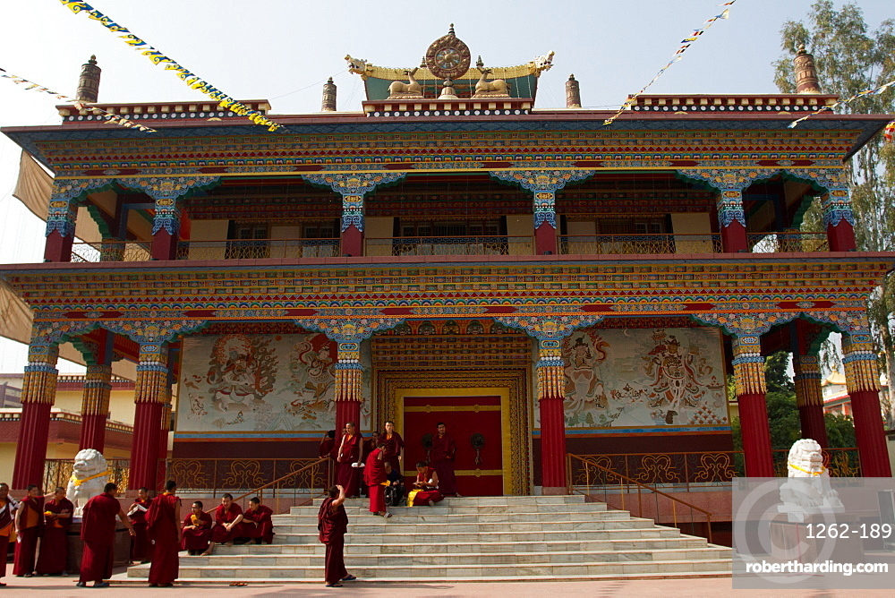 Tibetan monks and the Tibetan Buddhist temple of Bodh Gaya, Bihar, India, Asia
