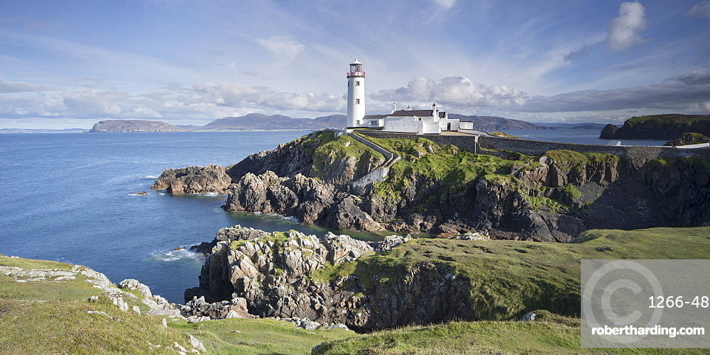 Fanad Head Lighthouse on the north western tip of Ireland, part of the Wild Atlantic Way, County Donegal, Ulster, Republic of Ireland, Europe