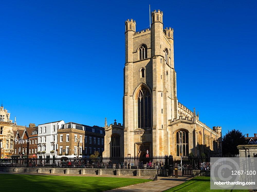 Great St Marys Church next to Market Square and Kings Parade, Cambridge, Cambridgeshire, England, UK.