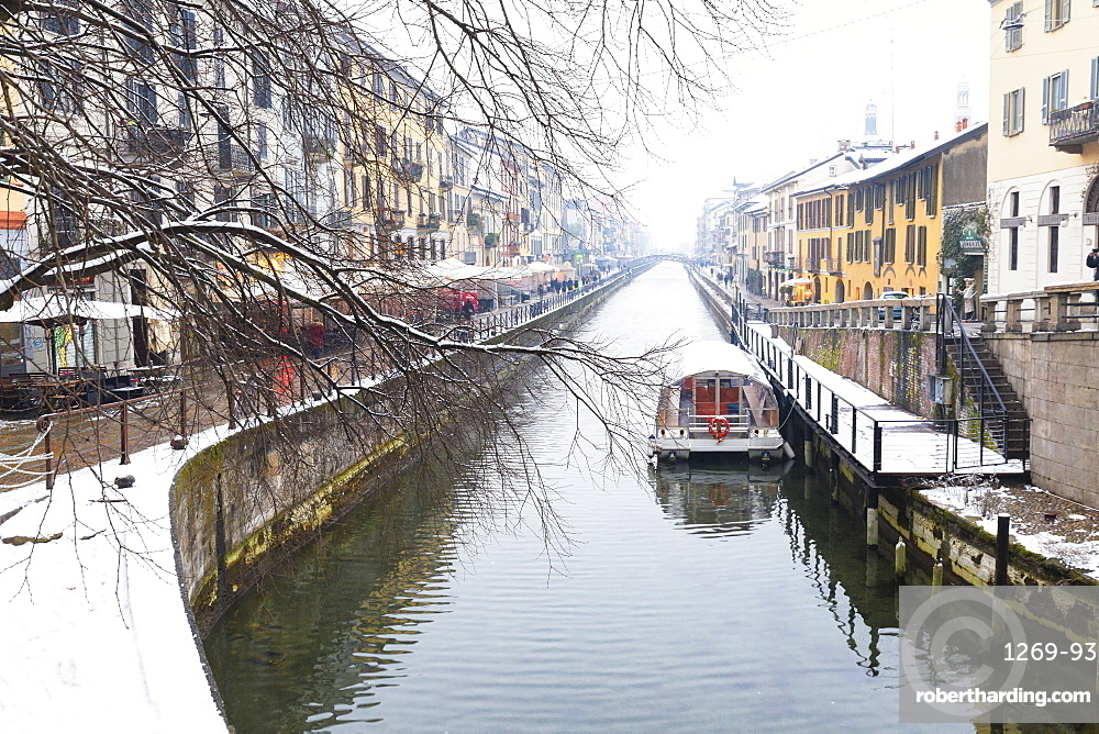 Naviglio Grande after a snowfall, Milan, Lombardy, Northern Italy, Italy, Europe