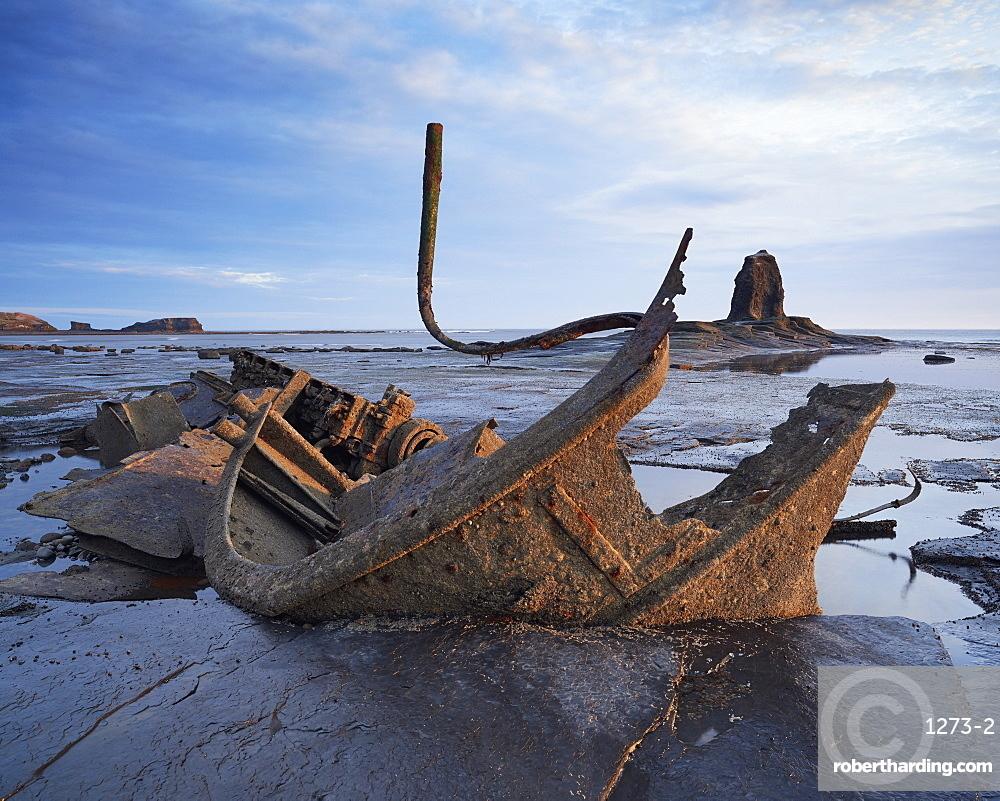 Shipwreck Admiral Von Tromp, Saltwick Bay, North Yorkshire, Yorkshire, England, United Kingdom, Europe