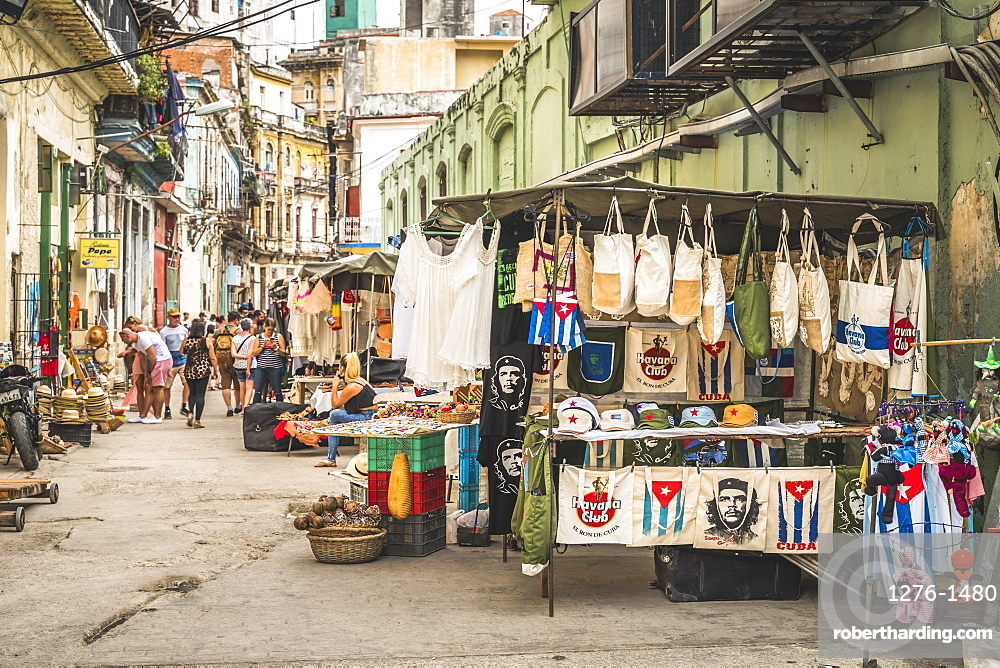 Local souvenir market, La Habana, Havana, Cuba, West Indies, Caribbean, Central America
