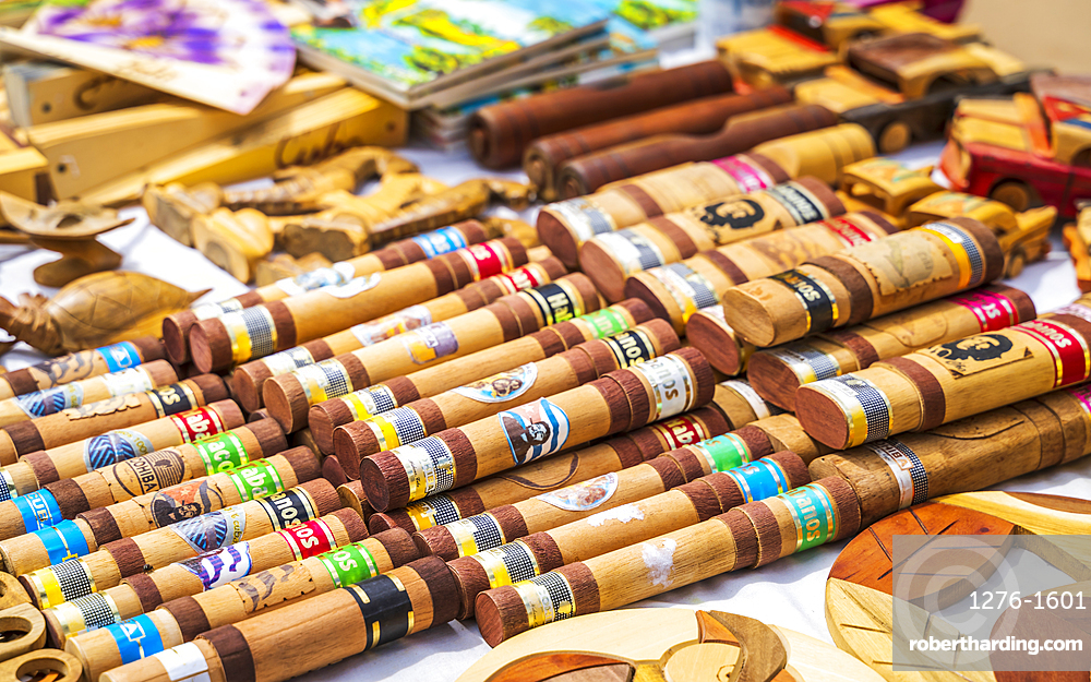 Souvenir market in Vinales, UNESCO World Heritage Site, Pinar del Rio Province, Cuba, West Indies, Caribbean, Central America