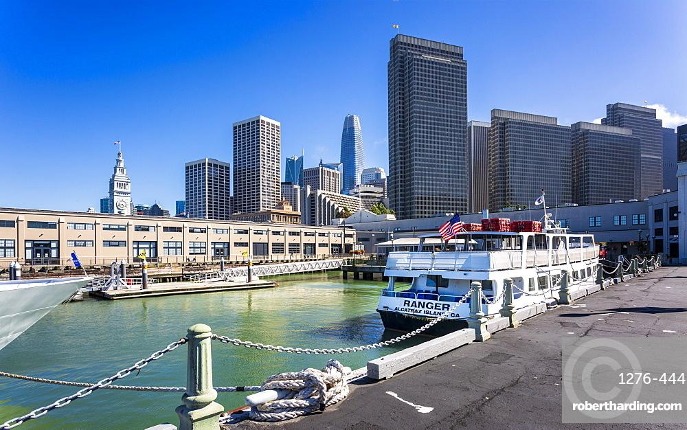 Alcatraz Island Ferry and San Francisco skyline, San Francisco, California, United States of America, North America