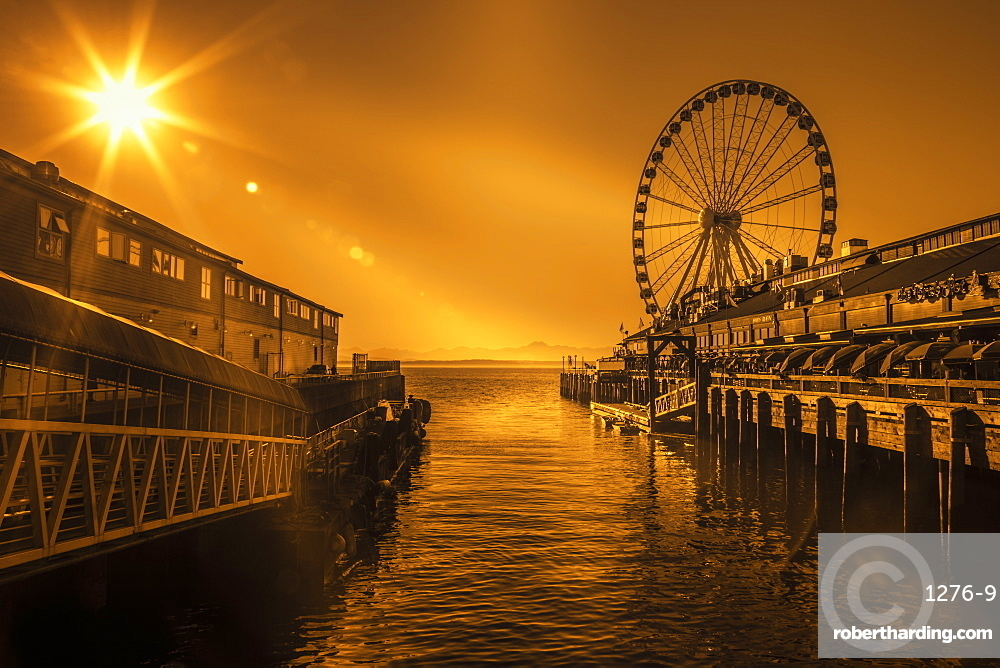 Seattle's Great Ferris Wheel at Pier 57, Seattle, Washington State, United States of America, North America