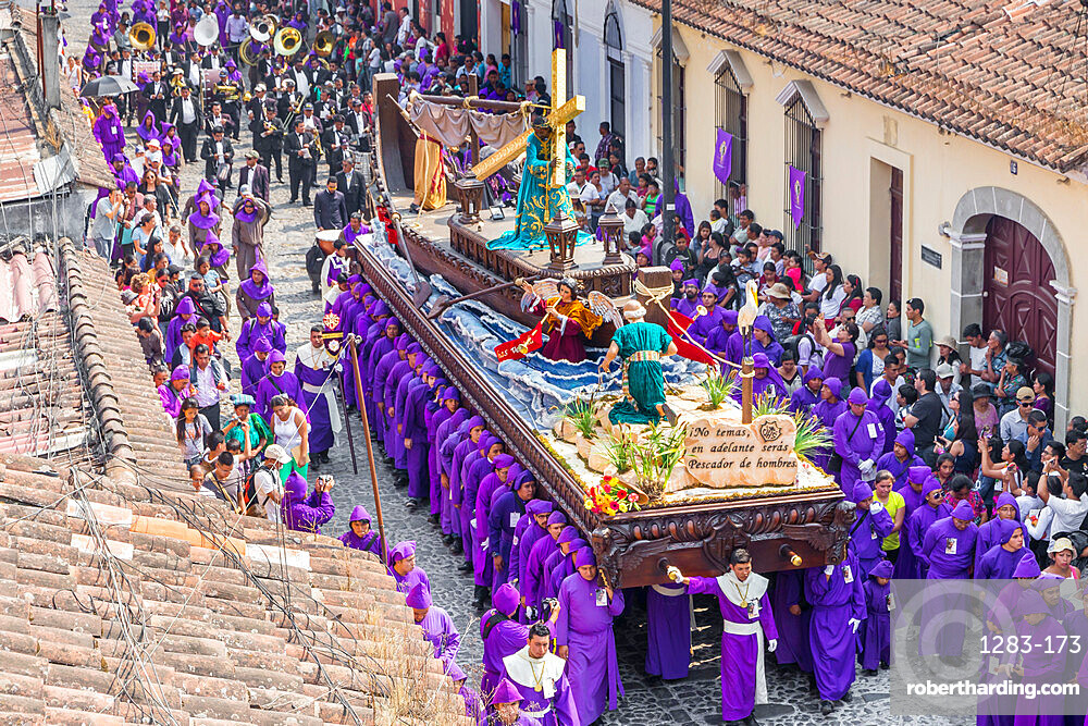 Procession at the fourth weekend of Lent 2017 in Antigua