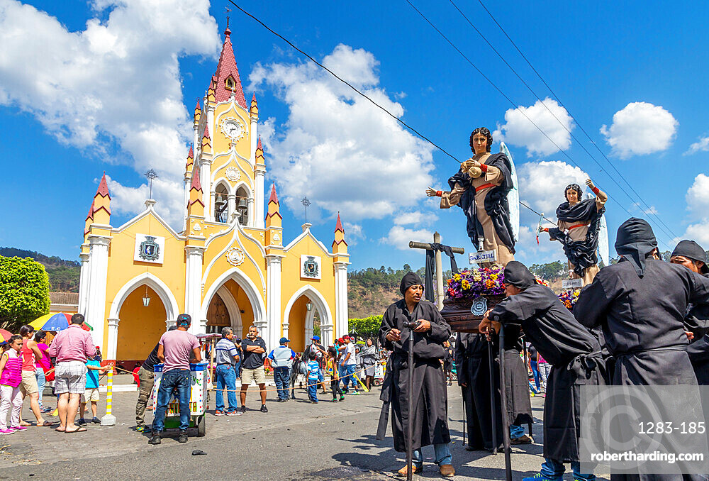 Participants of the Holy Saturday procession waiting in front of the San Felipe de Jesus Church near Antigua