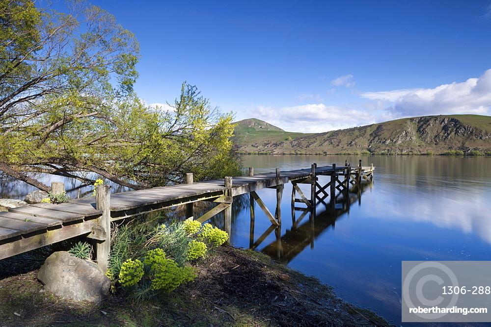 Lake Hayes, Wakatipu Basin in Central Otago, in New Zealand