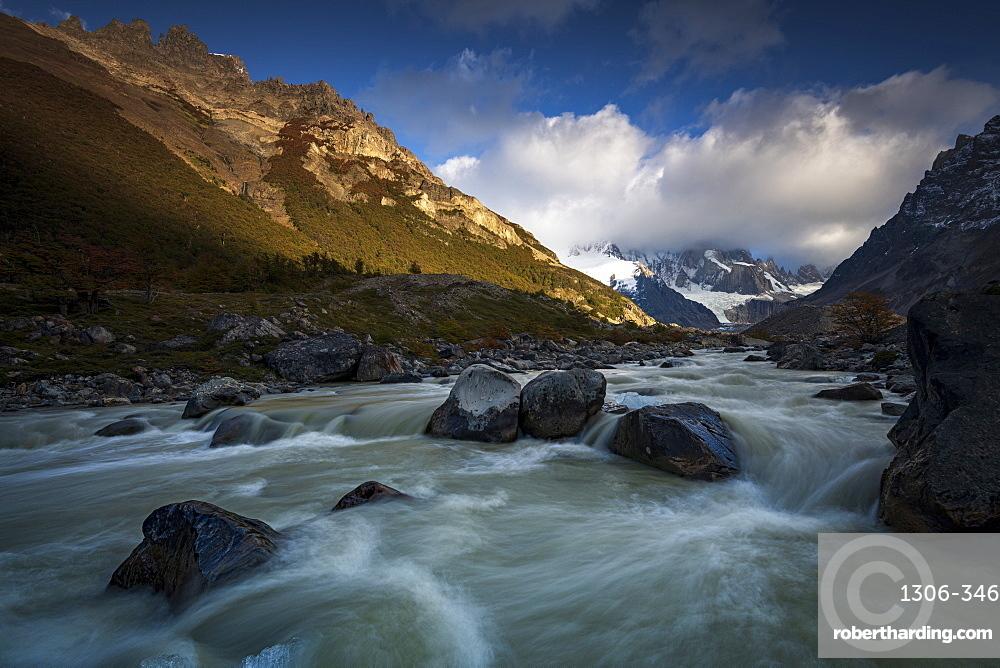 Rio Fitz Roy River, Mount Fitz Roy and Cerro Torre, El Chalten, Los Glaciares National Park, UNESCO World Heritage Site, Patagonia, Argentina, South America