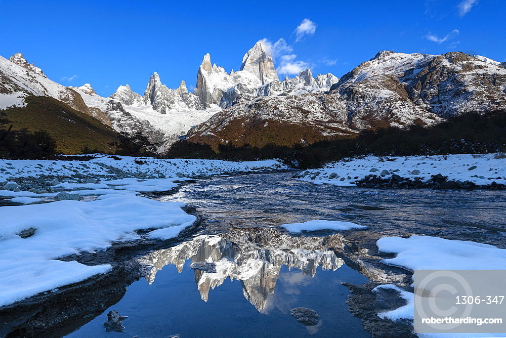 Snow scene of Mount Fitz Roy and Cerro Torre, Los Glaciares National Park, UNESCO World Heritage Site, Patagonia, Argentina, South America