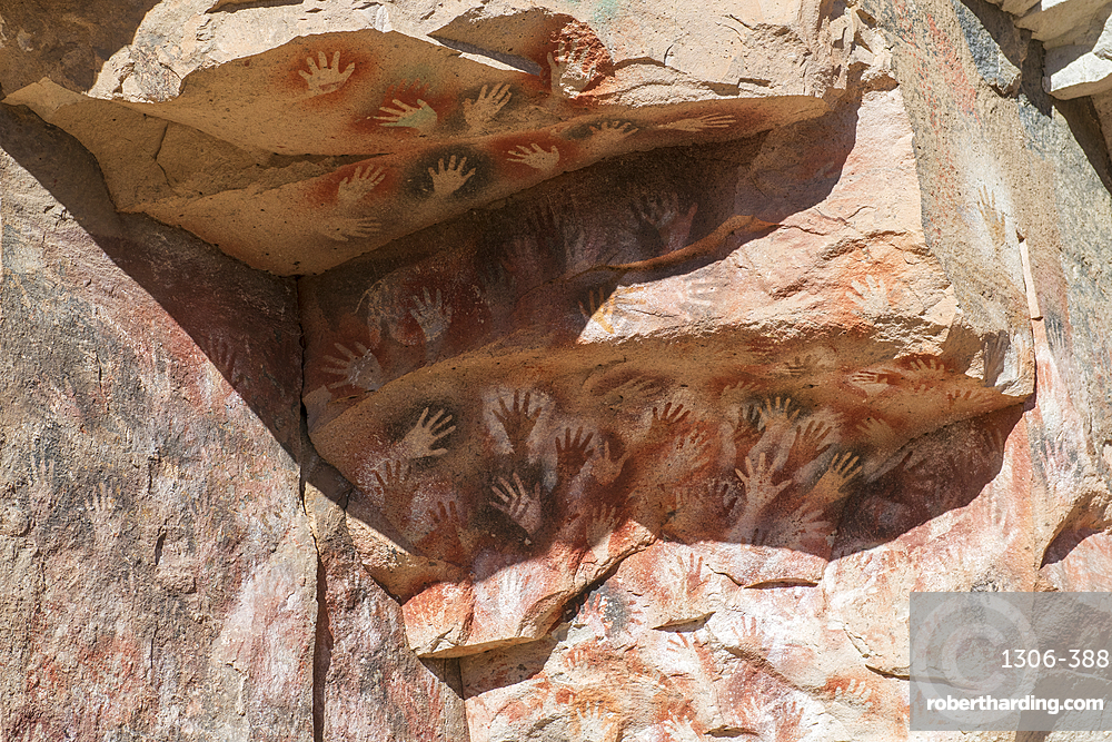 Stencil hand Paintings, Rio Pinturas Canyon, Cave of the Hands, Patagonia, Province of Santa Cruz, Argentina