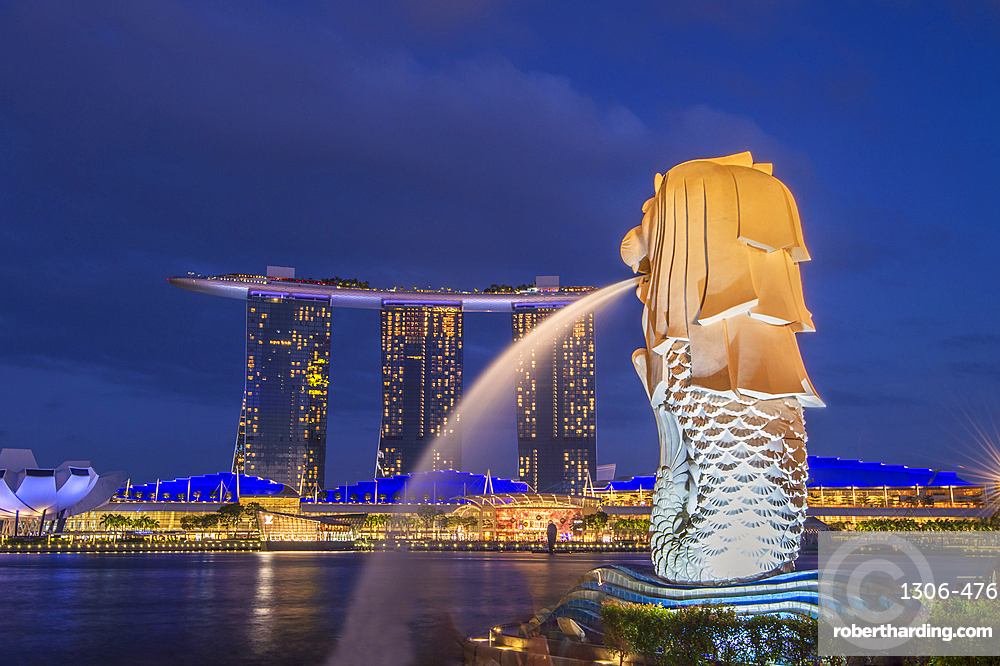 The Merlion statue and Marina Bay Sands Hotel at night, Singapore