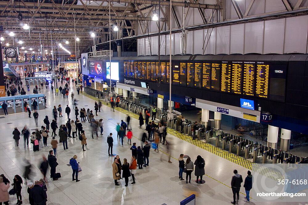 Waterloo Station main concourse, London, England, United Kingdom, Europe